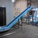 DynaClean portable Z conveyor.